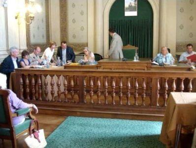 Jean-François Legaret lève la séance du conseil du 1er arrondissement du 10 septembre 2012 - Photo : VD.