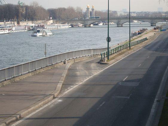 Les voies sur berges de Seine dans le 7e arrondissement.