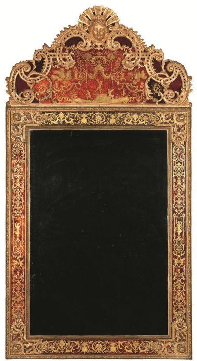 Miroir églomisé (c) M-A Kohn. Dim. : 263 cm x 139,5 cm x 12 cm.