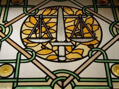 Vitraux du Palais de Justice de Paris.