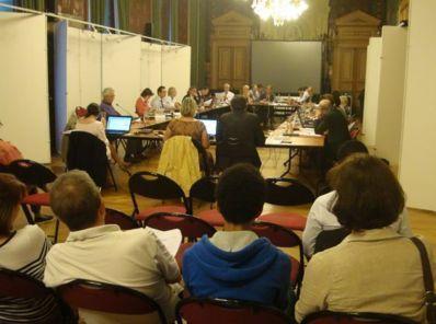 Le précédent conseil du 11e arrondissement s'était tenu le lundi 10 septembre 2012, soit 2 semaines avant le conseil de Paris, comme les mairies du 1er, du 7e et du 16e arrondissement.