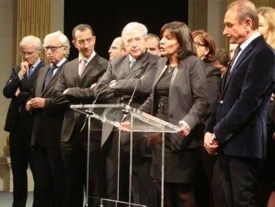 Bertrand Delanoë, pendant le discours de la Première Adjointe Anne Hidalgo, actuellement candidate à la Mairie de Paris en 2014 et future candidate à la candidature ?