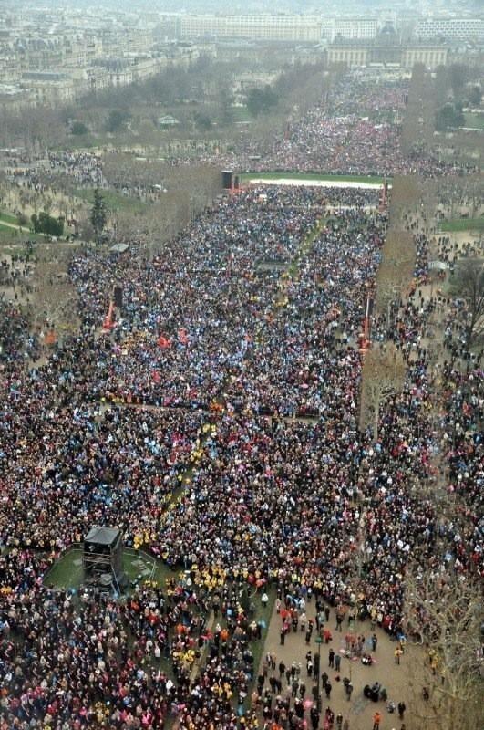 """Les 800 000 opposants, selon les organisateurs, au projet de """"Mariage pour tous"""" sur le Champ de Mars le 13 janvier 2013 de 15h à 19h (c) Photo DR."""