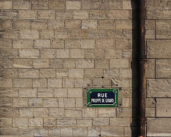 La caserne de sapeurs-pompiers Chateau Landon, rue de l'Aqueduc et rue Philippe-de-Girard - Photo : Coyau.
