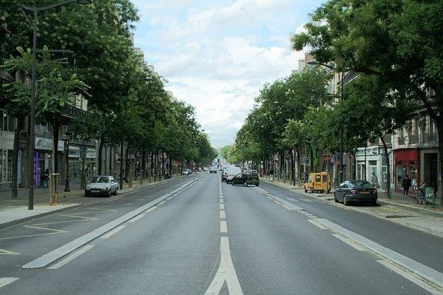 Le boulevard de Magenta délimite le IXe et le Xe arrondissement. Long de 1920 mètres et large de 30 mètres - Crédit photo : Vue du boulevard de Magenta / Coyau.