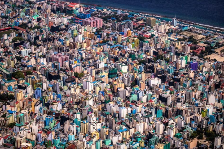 Malé, la capitale et la ville la plus peuplée des Maldives © Jonny Belvédère.