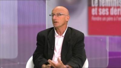"""Jean Gabard - capture d'écran RTBF juin 2012 """"La pensée et les hommes""""."""