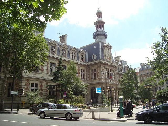 Mairie du 12e arrondissement de Paris © LPLT sous licence creative commons.