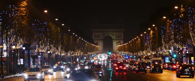 Les mêmes illuminations en 2014 et 2015 sur les Champs Elysées © VD - PT - le 19 novembre 2015.