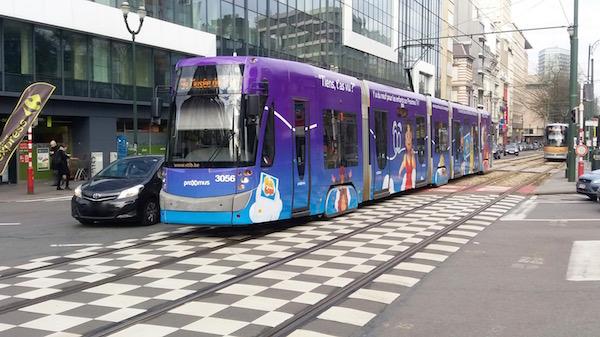 Bruxelles - Les transports publics fonctionnent encore à 9h35 le mardi 22 mars 2016 - Photo RD - Paris Tribune.