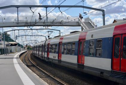 SNCF RER Metro Tramway les transports en commun en Ile-de-France © Sinuswelle.