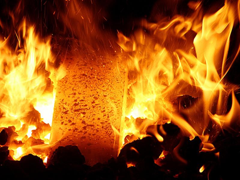 Barre de fer en feu © zigazou