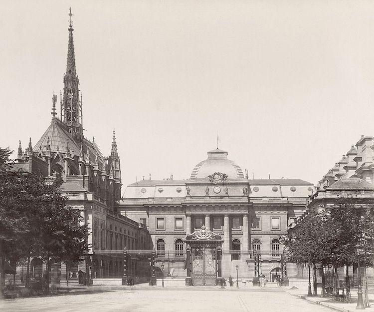 Palais de Justice - Façade Est © Hippolyte-Auguste Collard - Domaine public - Bibliothèque d'État de Victoria - Australie - Cadeau du gouvernement français en 1881.