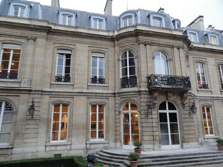 Mairie du 9e arrondissement, Vue du côté jardin © FLLL CC-BY SA 3.0