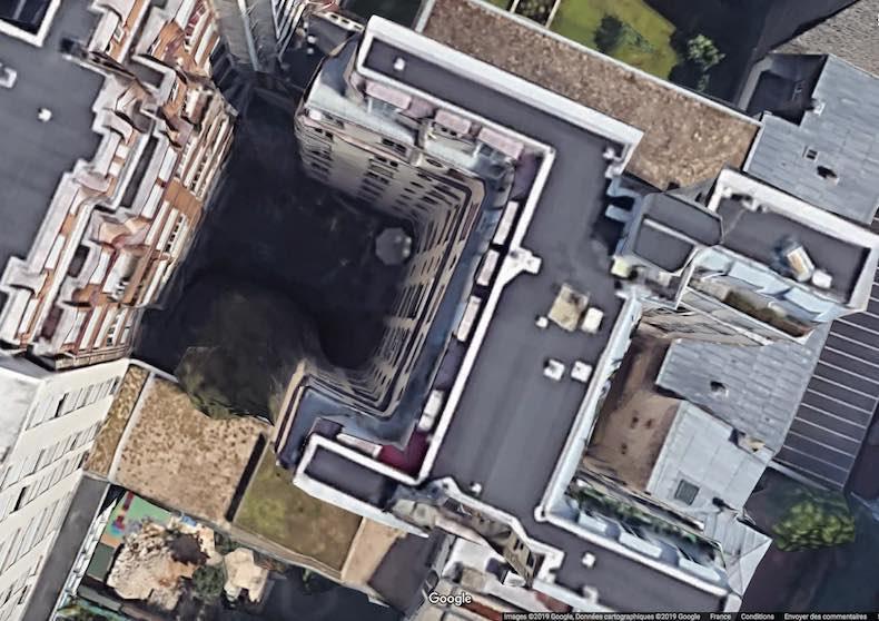 L'incendie au 17 bis rue Erlanger dans le 16e arrondissement de Paris a eu lieu dans l'immeuble enclavé en coeur d'îlot - Images © 2019 Google données cartopgraphiques ©2019 Google France.