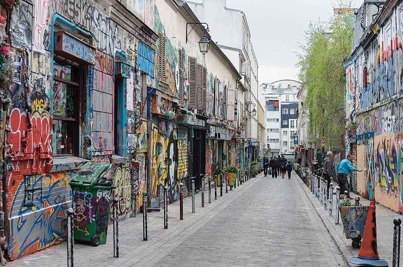 Quasiment en face de la rue Jules Romains dans le 19e arrondissement : la rue Denoyez dans le 20e arrondissement © Myrabella / Wikimedia Commons / CC BY-SA 4.0