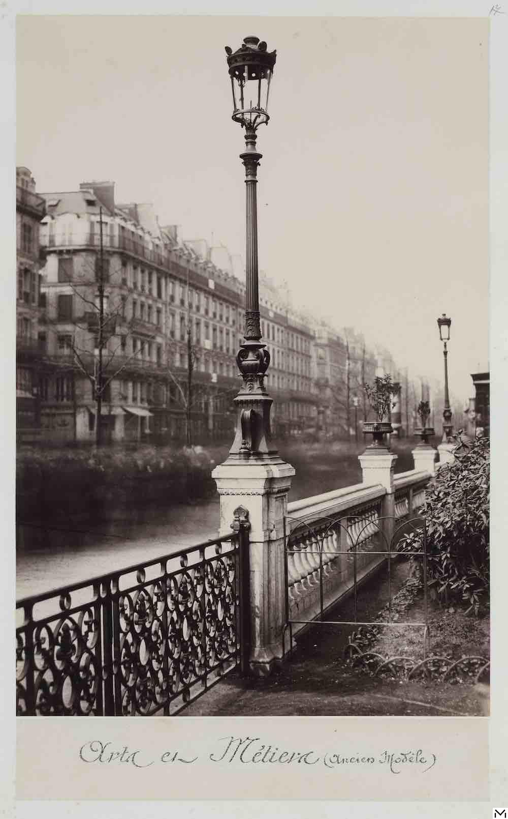 Charles Marville, street light, Arts et Metiers Square, ca 1862, print © MAD Paris Christophe Dellière