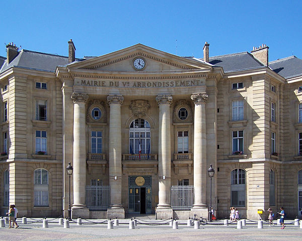 La mairie du 5e arrondissement de Paris place du Panthéon © LPLT sous licence creative commons.