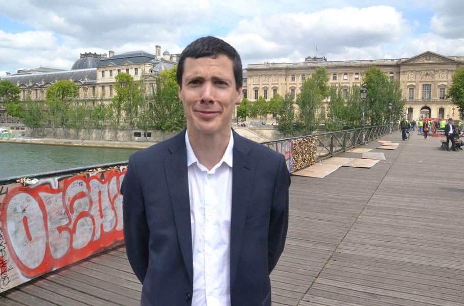 Nicolas Martin-Lalande adjoint au maire du 1er arrondissement sur le Pont des Arts © VD.