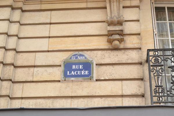 Stationnement rue Lacuée, 12e arrondissement © AC - PT.