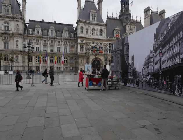 Place de l'Hôtel de Ville le 22 octobre 2015 à 14h © VD - PT.