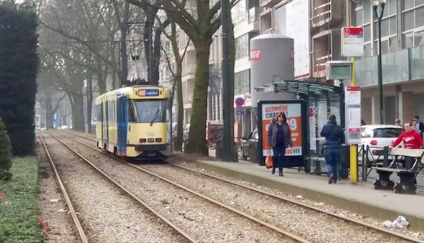 Bruxelles - Les transports publics fonctionnent encore à 9h22 le mardi 22 mars 2016 - Photo RD - Paris Tribune.