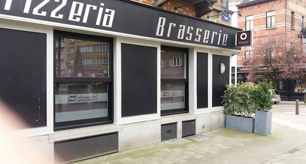 Pizzeria fermée à Bruxelles le 22 mars 2016 - Photo RD - Paris Tribune