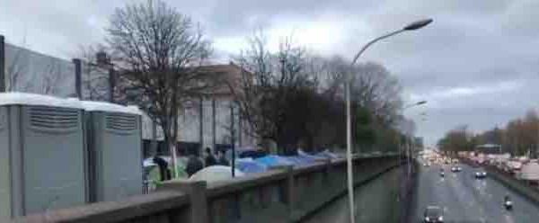 Soixantième mise à l'abri de migrants à Paris