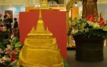 Les reliques du Bouddha Shakyamouni à l'Hôtel de Ville