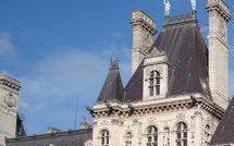 Les délibérations du Conseil de Paris concernant le 1er