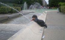 Des enfants privés de fontaines tout l'été ?