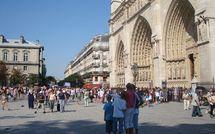 Les tortionnaires d'une mendiante sur le parvis Notre-Dame devant la justice