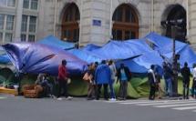 Paris : nouvelle évacuation de migrants porte de la Chapelle par la Ville et l'Etat