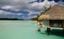 Boîte à archives : Jacques Chirac en faveur du développement durable, de l'équipement et du tourisme en Polynésie française