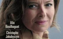 Valérie Trierweiler porte plainte contre une des biographies qui lui sont consacrées