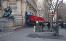 Le kiosque a quitté la place Saint-Michel