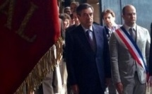 François Fillon commémore l'Appel du 18 juin à la mairie du VIe arrondissement sans le maire absent