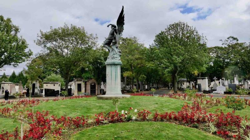 Place centrale cimetière du montparnasse