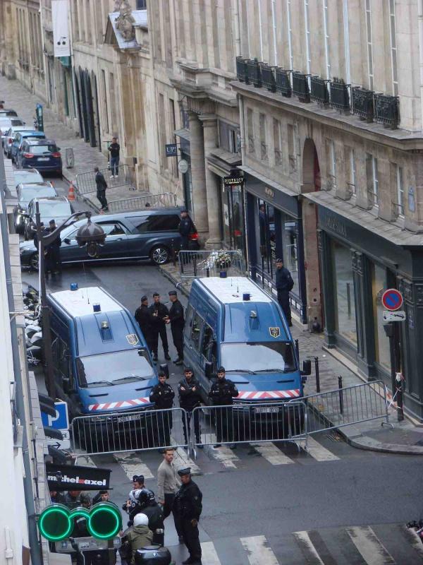 Sortie du cercueil de Jacques Chirac.