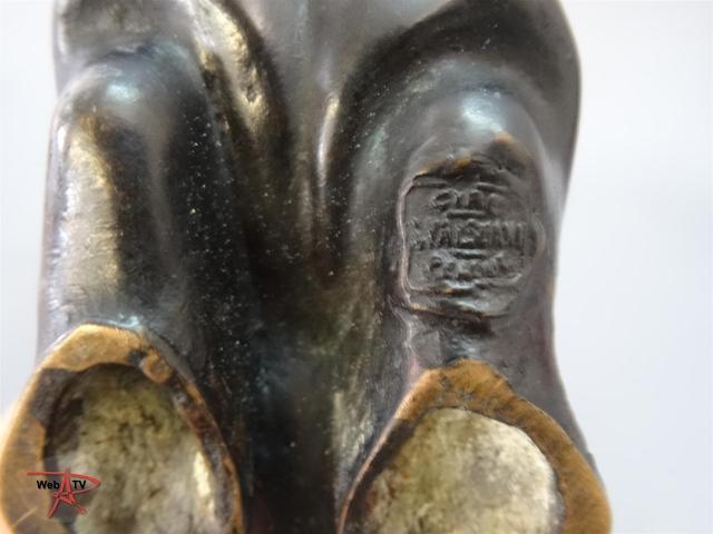 Lot 81 Hippopotame par François Pompon - détail cachet Valsuany Etude E. Aubert